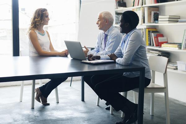 Recrutement 4 astuces pour r ussir vos entretiens d - Entretien d embauche cabinet d avocat ...