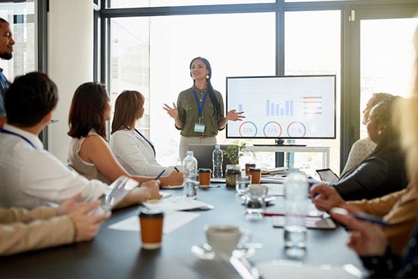 Le chef de projet un expert un manager et un leader