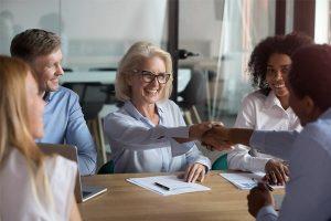 Les seniors au travail : déconstruire quelques schémas mentaux !
