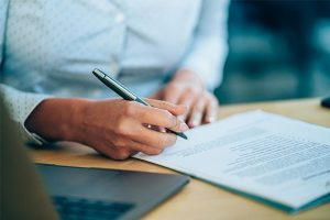 Contrat de travail: quelles sont les clauses illégales?
